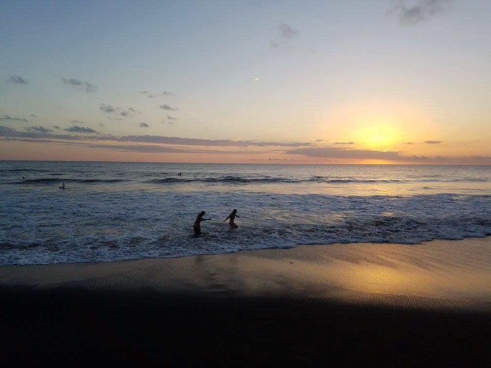 blog-Monkeys-Ziplines-and-Yoga-Oh-Pura-Vida-sunset