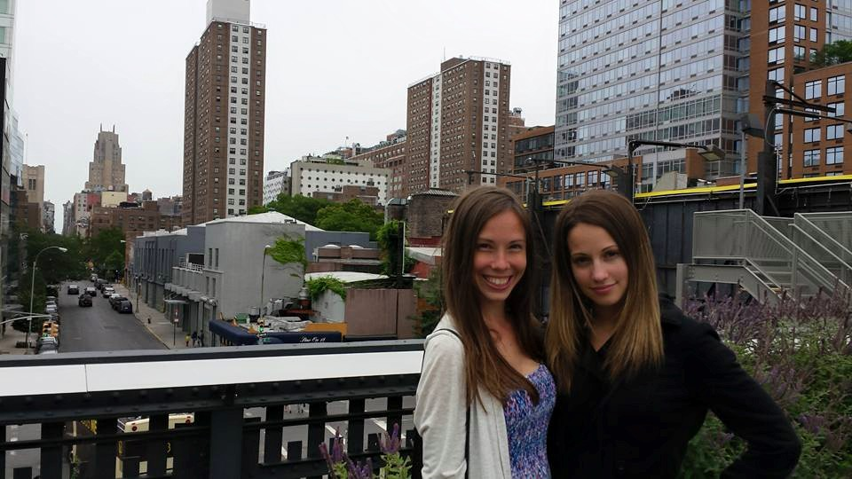 Nicole and Stefania on the High Line