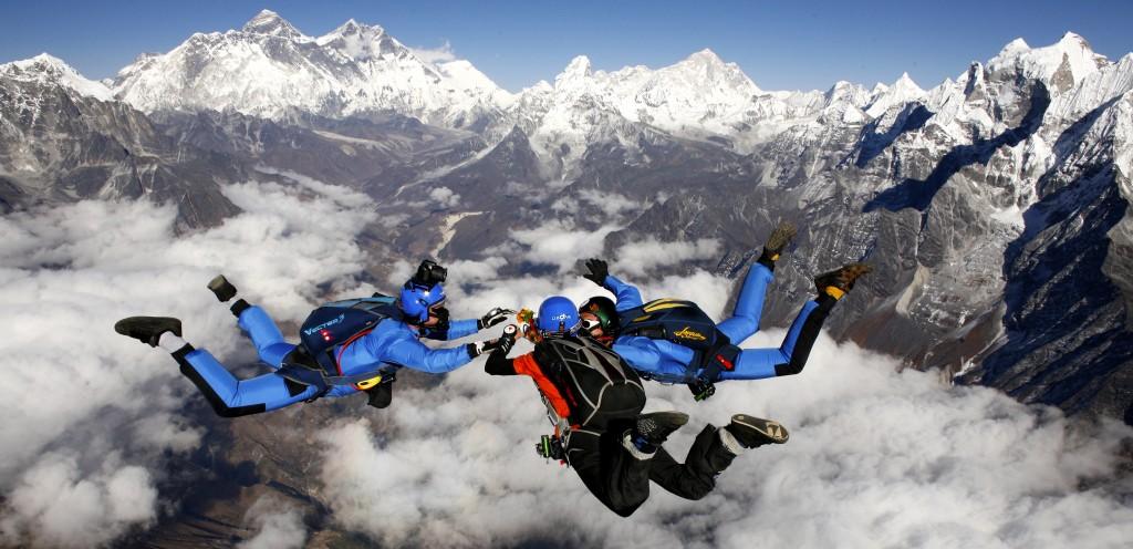 Skydive_Mount_Everest